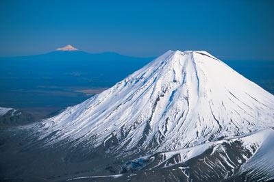ナウルホエ山.jpg