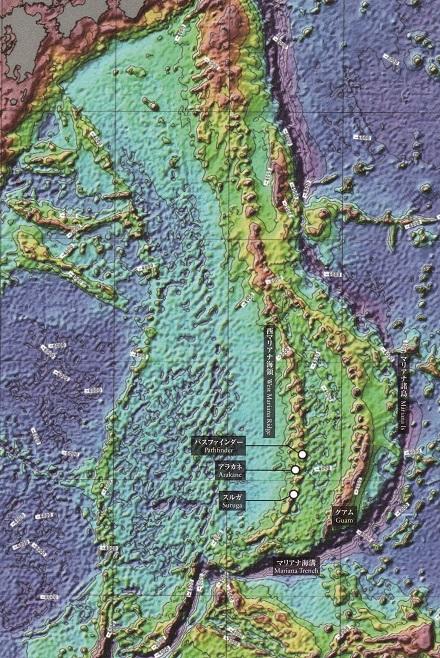 フィリピン海プレートの海底地形.jpg